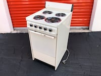 Hotpoint slimline Electric Stove / Oven - Super clean Made in USA! Oakland Park, 33311