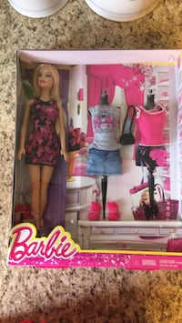 Barbie NEW 2013 Silver Spring, 20905