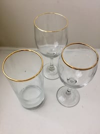 36 gold rimmed glasses  North Kingstown, 02852