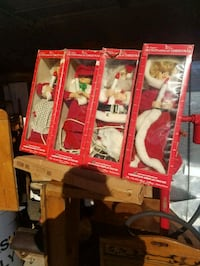 Set of 4 telco christmas figures Clear Brook, 22624