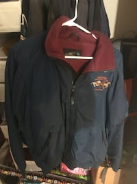 Warm and water sticking jacket/coat with 3 pockets  Sacramento, 95834