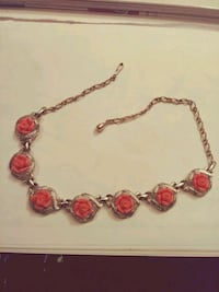 Gold necklace with rose colored flowers choker San Antonio, 78223