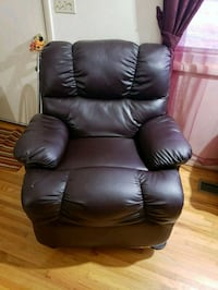 black leather recliner sofa chair Estill Springs, 37330