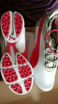 pair of white-and-red Nike running shoes Salaberry-de-Valleyfield, J6S 3J2
