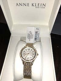 round silver-colored chronograph watch with link bracelet Ontario, 91762