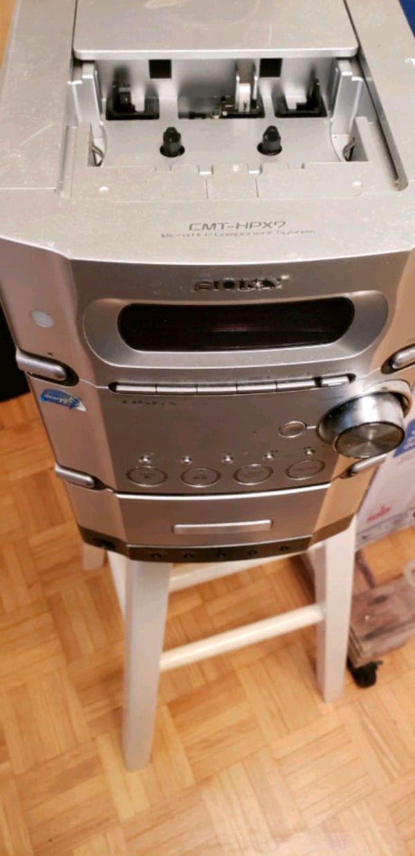 Sony cd and casette player 0
