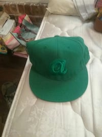A embroidered green baseball cap Fort Valley, 31030