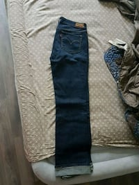 Womans Levis denim jeans (SIZE 29) Toronto, M9M 0B5