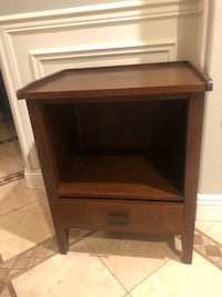 Pottery Barn end table  Ladera Ranch, 92694
