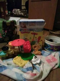 Frozen playdoh set Olaf's summer adventure  Afton