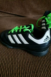 Outdoor soccer shoes $5.00 Davenport, 52806