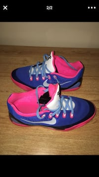 pair of blue-and-pink Nike basketball shoes Carnot, 15108