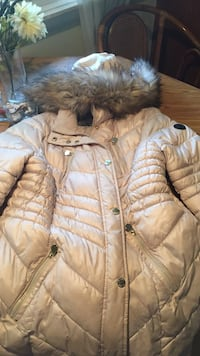 Cream parka coat Kalamazoo, 49001