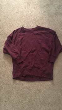 maroon crew-neck sweatshirt Norfolk, 23508