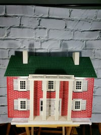 Vintage doll house Virginia Beach, 23464
