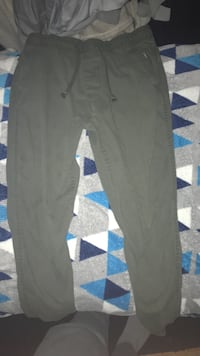 Mens Green Joggers / Size Small