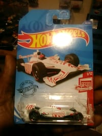 Hot Wheels Target Edition, Red Edition Indy 500 Oval  Reston, 20191