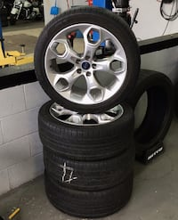 Full set 235/45/R19 Kumho Crugen tires and rims Indianapolis, 46219