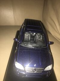 1/18 diecast mercedes ML dark blue SUV limited edition to only 5000 Omaha, 68106