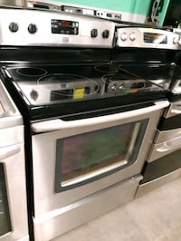 MAYTAG STAINLESS STEEL ELECTRIC STOVE WORKING PERFECTLY