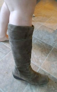 Sz 10 Suede Tall Wedge Boots PAID $170 Victoria County