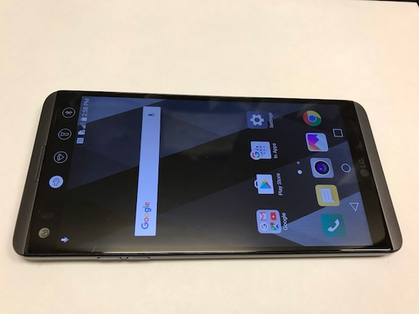 Unlocked LG V20 64gb Works With Any Sim  Att, T-Mobile, metro pcs, Cricket  and Overseas  Everything is fully working  Charger and cable included  Cash