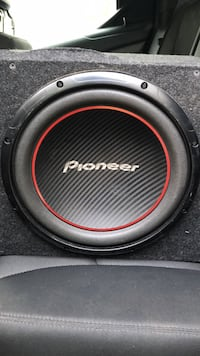 Pioneer 12inch subwoofer (with box) Tinton Falls