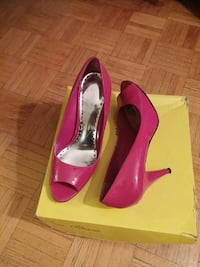 pair of patent leather open-toe chunky-heeled shoes with yellow box Toronto, M3N 2T8