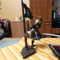 Statuetta Assassin Creed alta 41 cm.