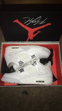 Pure money retro 4s w/ box and receipt only work 4 times size 9 South Berwick, 03908