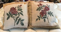 4 matching throw pillows, clean, in great shape!