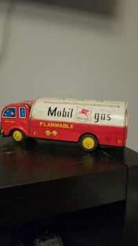 1950s Mobil-gas toy truck / Made in Japan