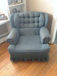 Blue living room chair $20 or b/o Wilmington, 19804