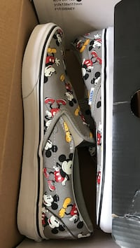 vans mickey mouse print slip on shoes