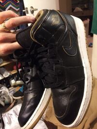 Air jordan1 mid royalty. Blk. 5.5y Las Vegas, 89147