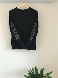 """Mile High"" Lululemon sweatshirt in black   Montréal, H2J 2B8"