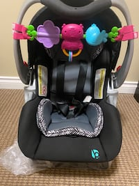 Seling baby trend car seat and base