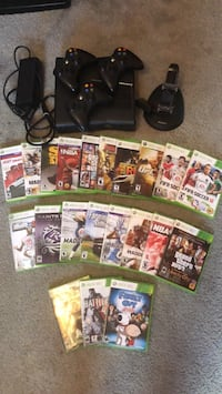 Xbox 360 , Games and Controller charger Grant, 49303
