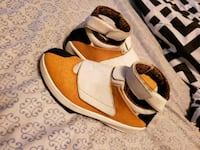 pair of brown-and-white leather sandals Winchester, 22601
