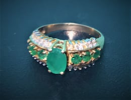 Beautiful Emerald And Diamond Ring 10k Solid Gold