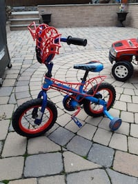 Spiderman bike with training wheels