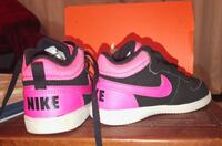 7c pink and black Nike toddler shoes Surrey, V3R 0W1