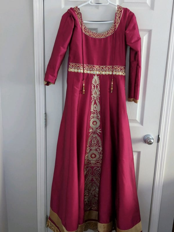 Floor length Gown 145079d4-2b30-4f0a-9aeb-bb70af37edbb