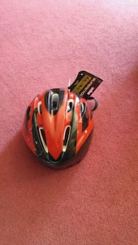 New bicycle helmet Calgary, T2B 2V4