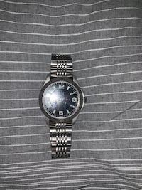 Round silver (Gucci) analog watch with silver link bracelet Baltimore, 21230