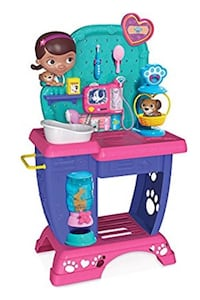 Doc Mcstuffins pet vet checkup center most all of it is with it but it does need a good cleaning Albany, 42602