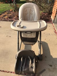 Highchair and booster seat (Graco) Palatine, 60067
