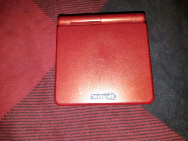 Red gameboy sp needs new battery otherwize works  69653e4c-8b4c-479d-8bca-64e02558db74