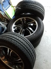 Black Multi-Spoke Car Wheel With Tire Set   Tampa