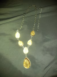 Silver and crystal stone.. necklace Mission